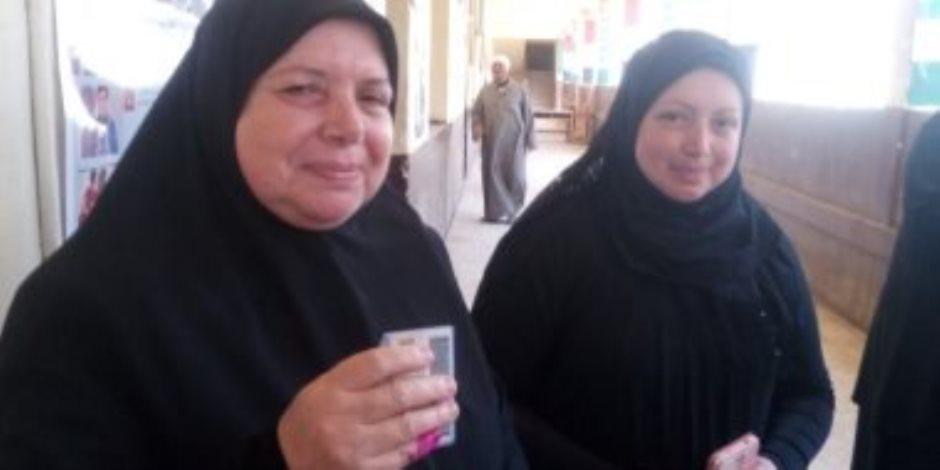 هدى عز الدين والدة الشهيد