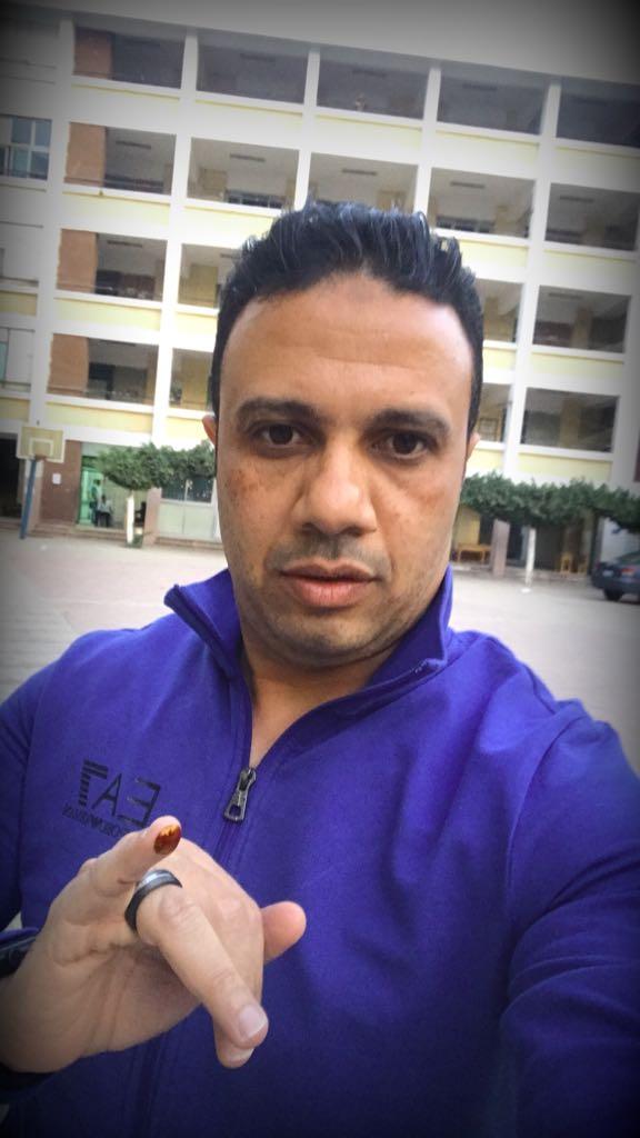 59897-حمادة-أنور-يدلى-بصوته-فى-الانتخابات-الرئاسية-(2)