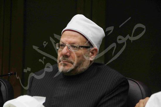 الدكتورمحمد المحرصاوى رئيس جامعة الأزهر خلال الجلسه الافتتاحيه (22)