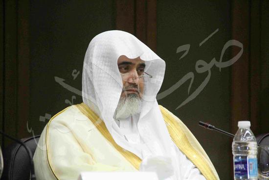 الدكتورمحمد المحرصاوى رئيس جامعة الأزهر خلال الجلسه الافتتاحيه (31)