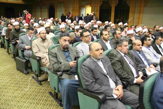 الدكتورمحمد المحرصاوى رئيس جامعة الأزهر خلال الجلسه الافتتاحيه (10)