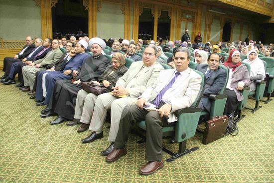 الدكتورمحمد المحرصاوى رئيس جامعة الأزهر خلال الجلسه الافتتاحيه (20)