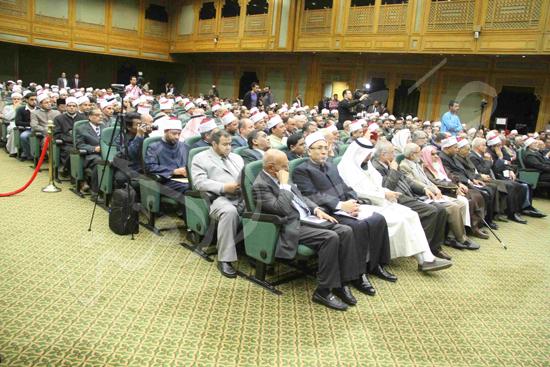 الدكتورمحمد المحرصاوى رئيس جامعة الأزهر خلال الجلسه الافتتاحيه (19)