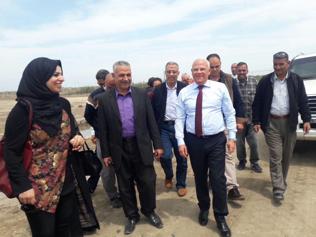 محافظ بورسعيد بالمدفن الصحى (4)