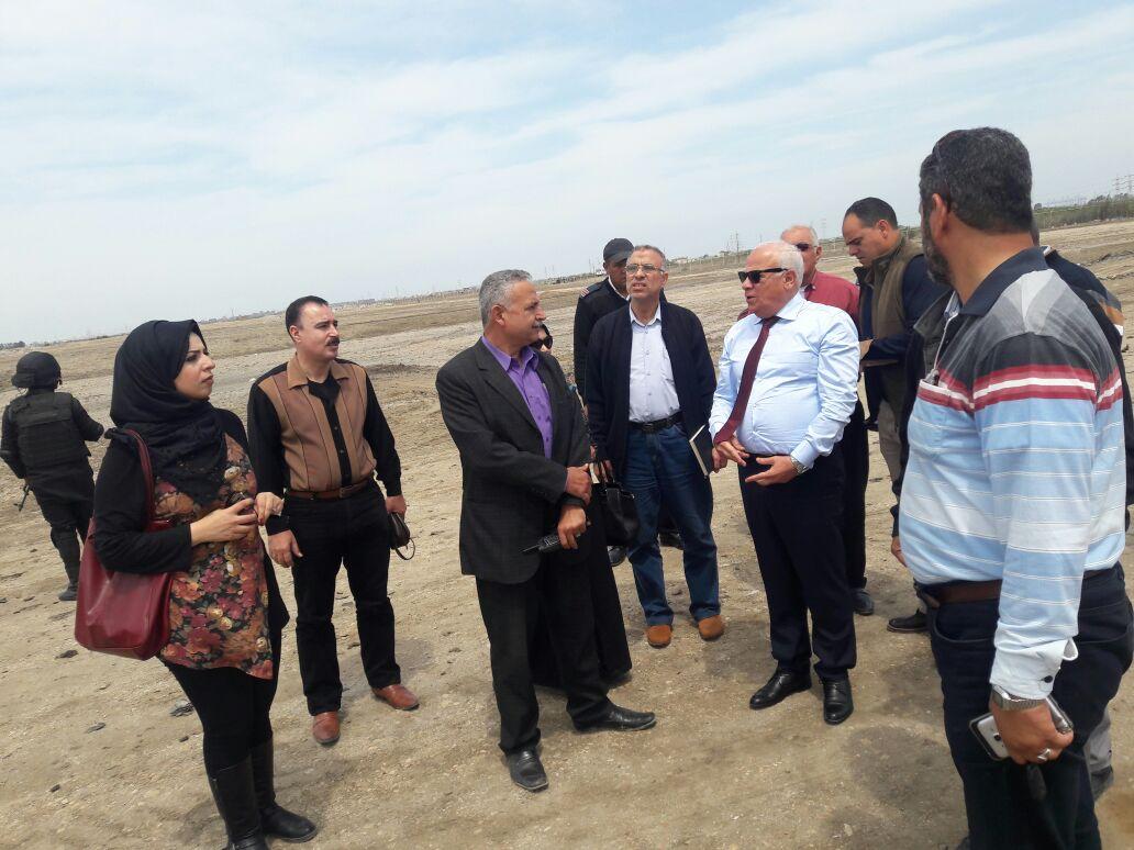 محافظ بورسعيد بالمدفن الصحى (2)