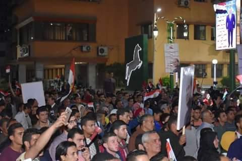 احتفالات بميادين وشوارع الشرقية إبتهاجًا بفوز السيسى (2)