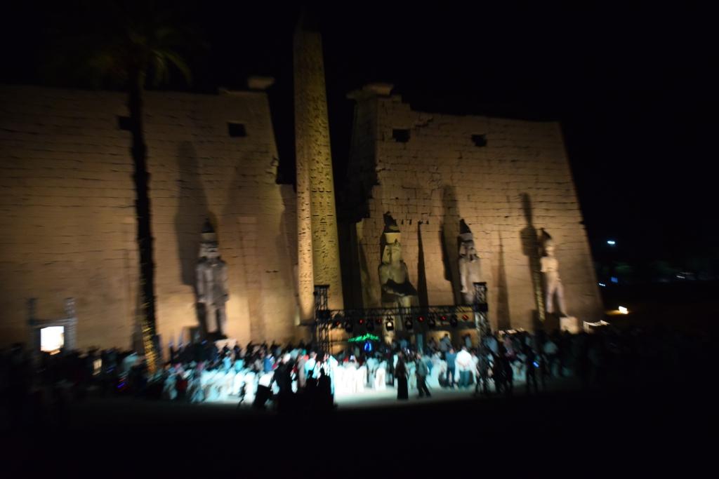 تمثال جديد للملك رمسيس يعود لواجهة معبد الأقصر (4)