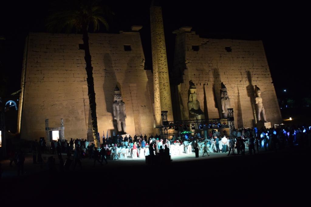 تمثال جديد للملك رمسيس يعود لواجهة معبد الأقصر (3)