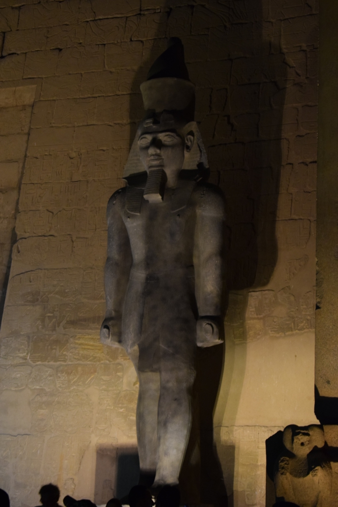 تمثال جديد للملك رمسيس يعود لواجهة معبد الأقصر (10)