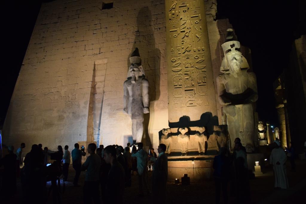 تمثال جديد للملك رمسيس يعود لواجهة معبد الأقصر (9)