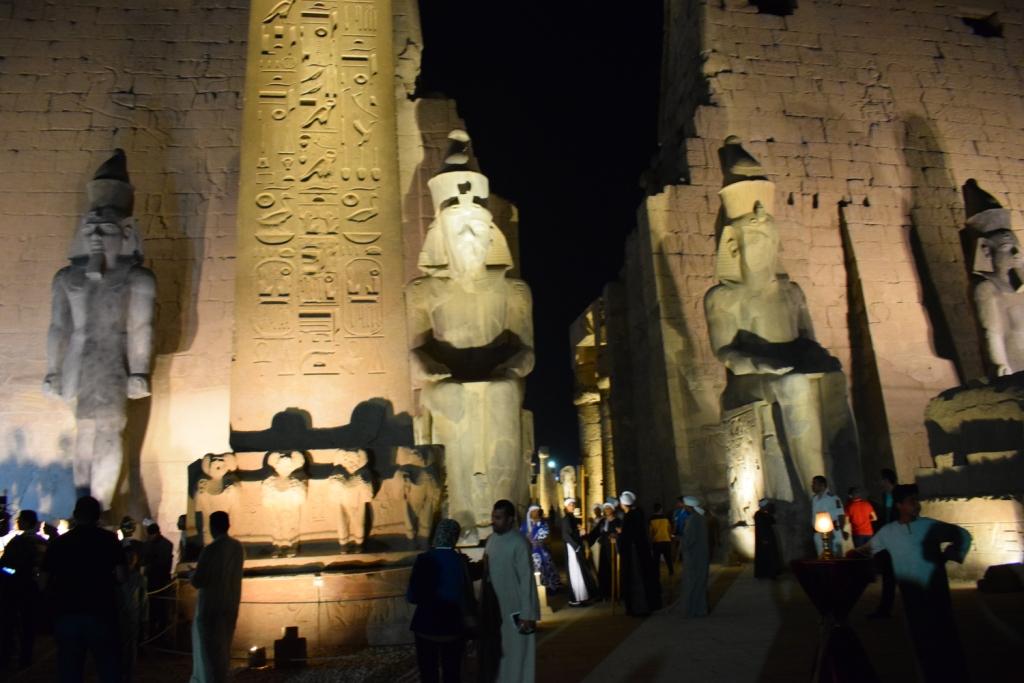 تمثال جديد للملك رمسيس يعود لواجهة معبد الأقصر (8)