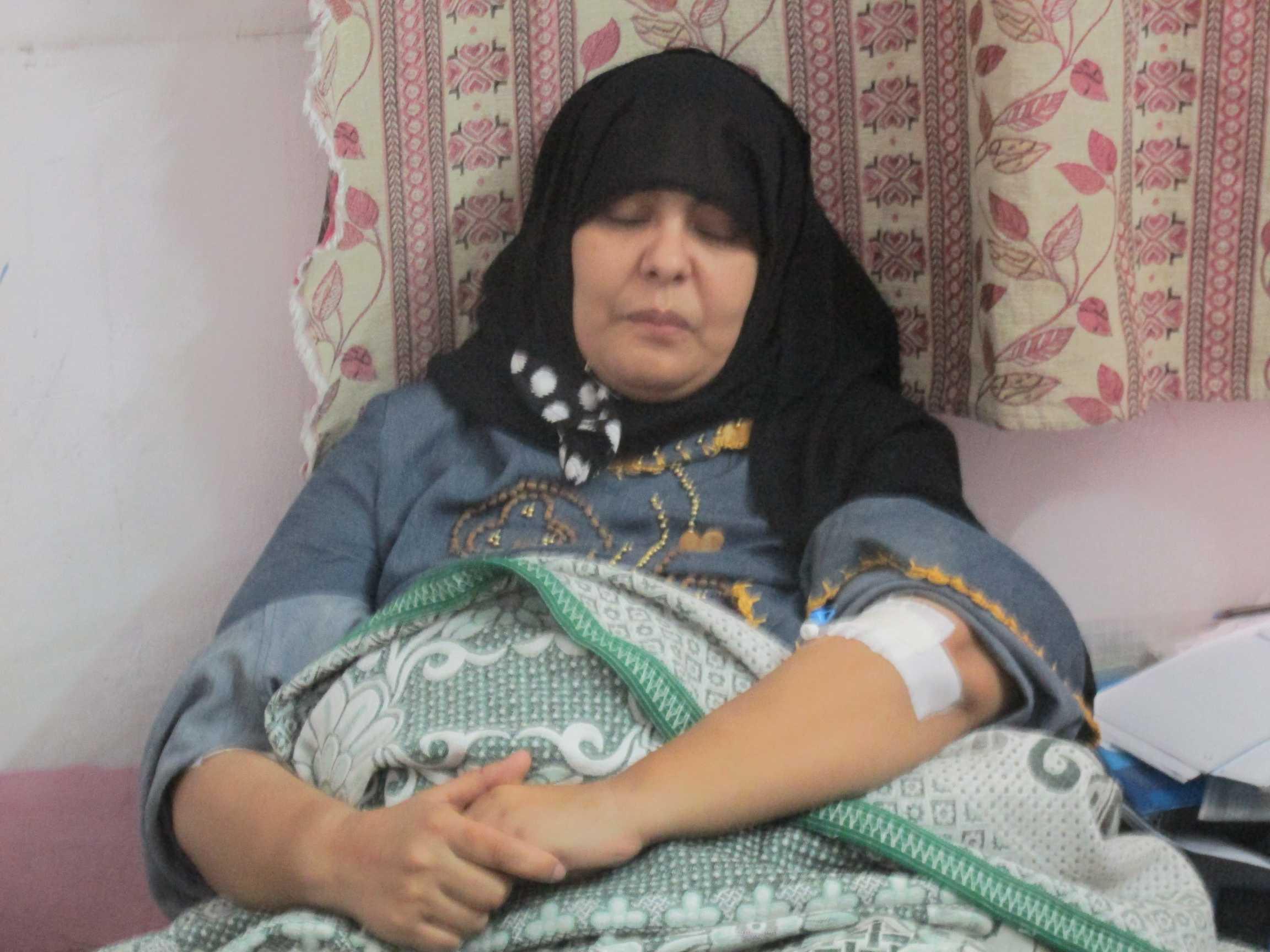 الممرضة منى امين موسى المضربة بحميات بورسعيد
