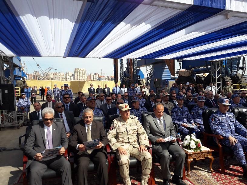 تدشين قاطرتين تحيا مصر بميناء الإسكندرية  (1)
