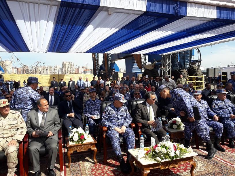 تدشين قاطرتين تحيا مصر بميناء الإسكندرية  (5)
