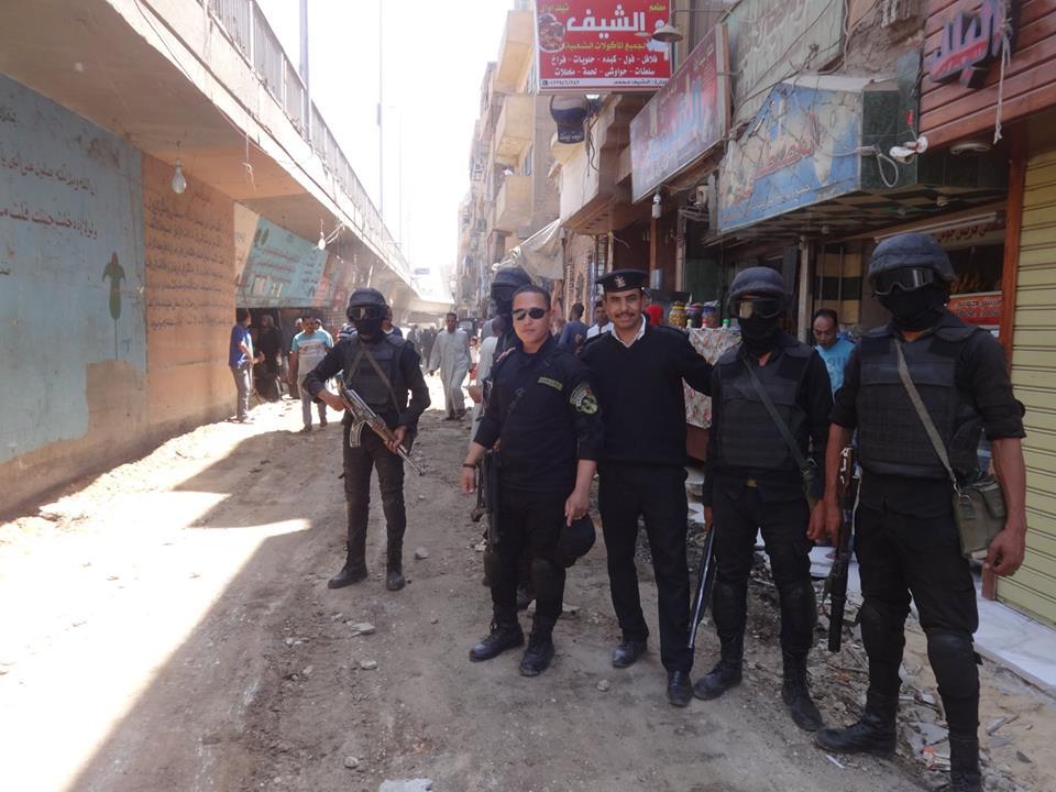 مجلس مدينة الأقصر يقود حملة لإزالة الإشغالات والتعديات بالطريق العام أسفل كوبري أبو الجود (2)