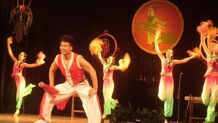 لياوينج للغناء والرقص (4)