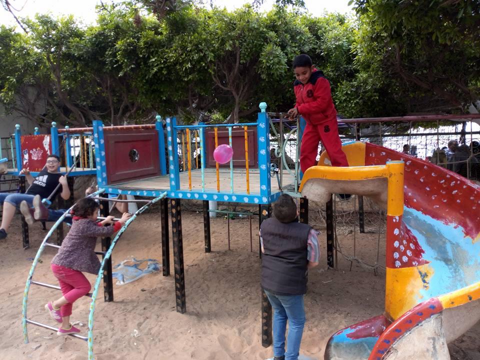 4- الاطفال بحديقة الاسرة والطفولة