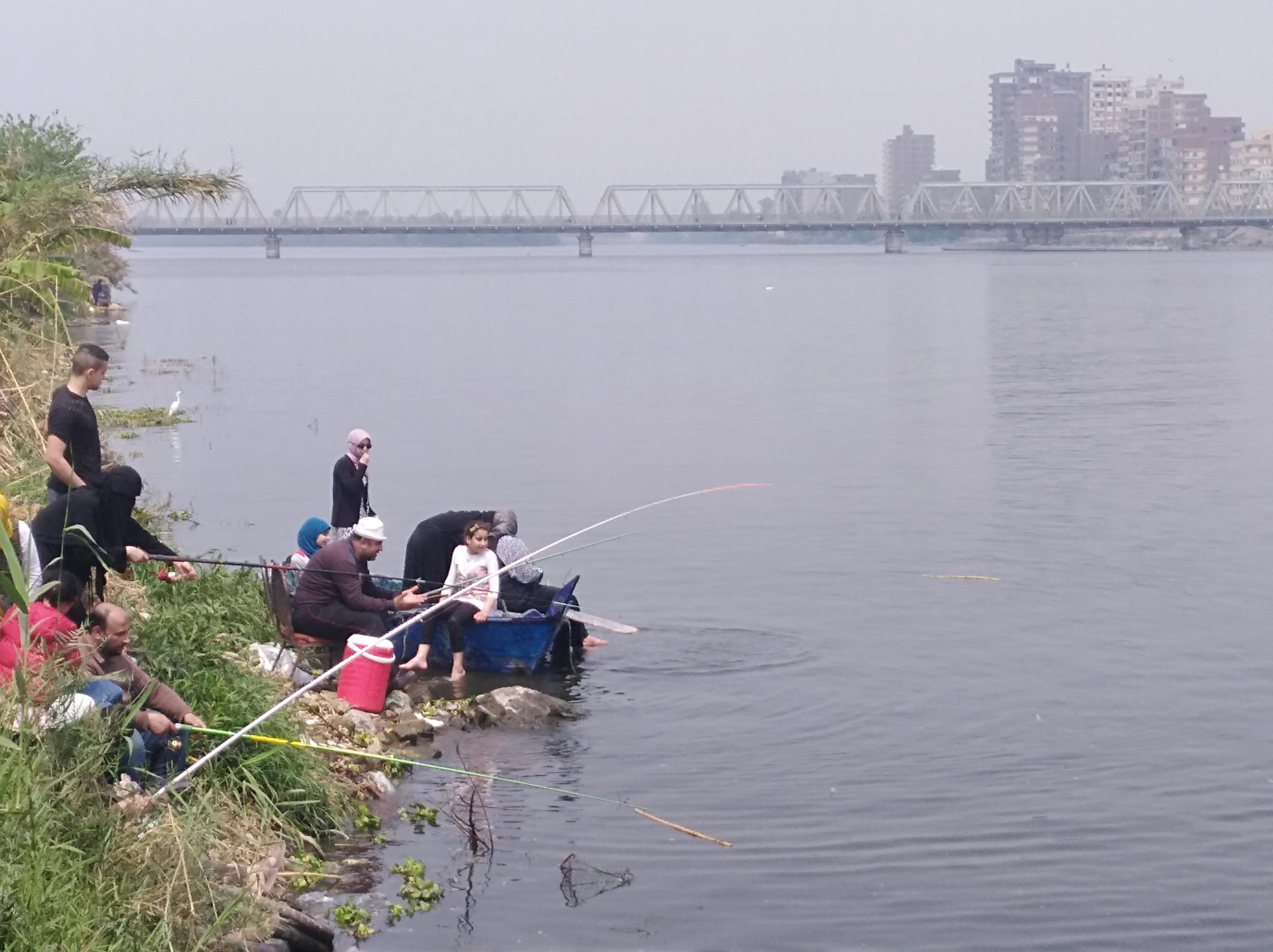شم النسيم بدون تحرش في البحيرة (5)
