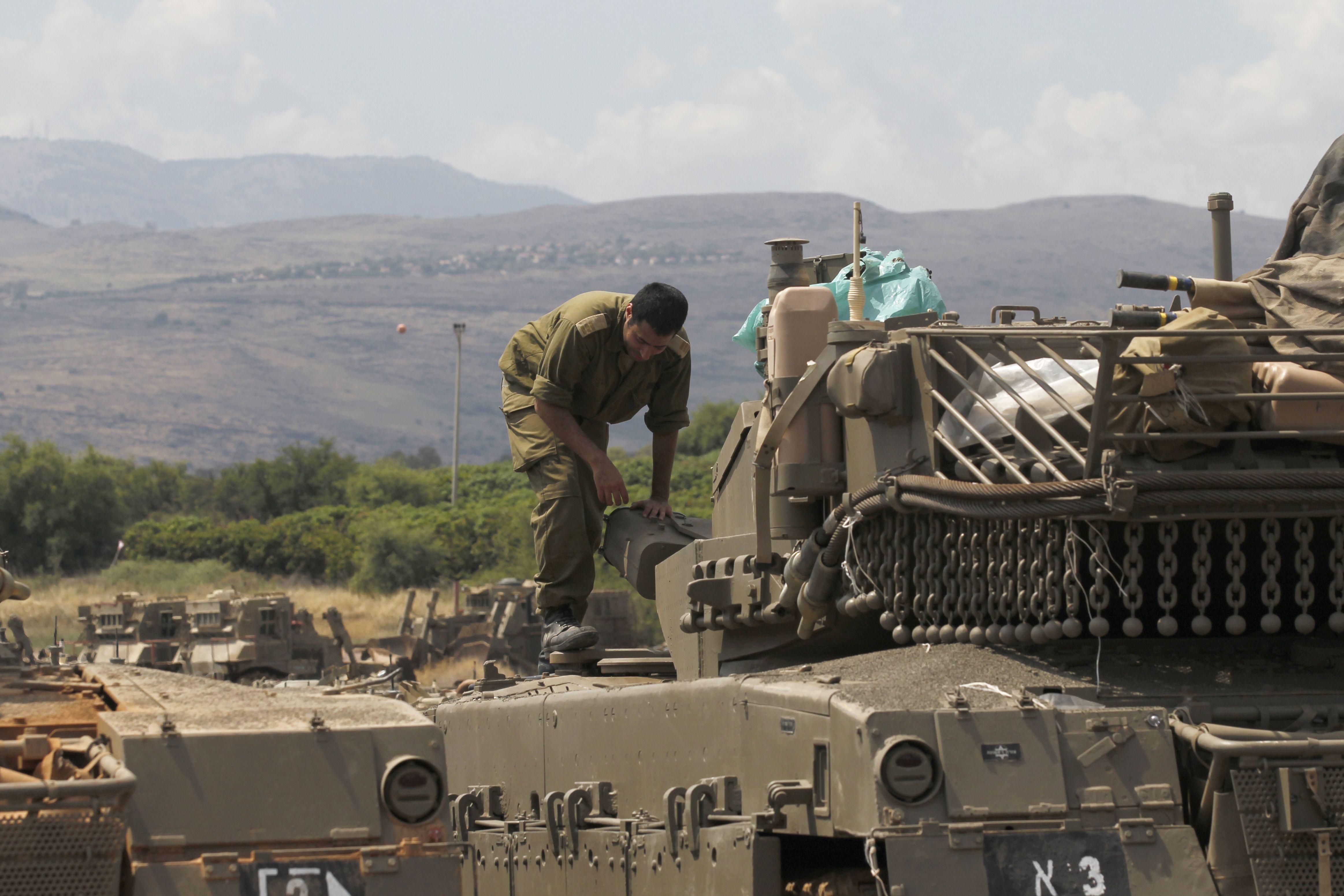 جندى اسرائيلى فى الجولان المحتل