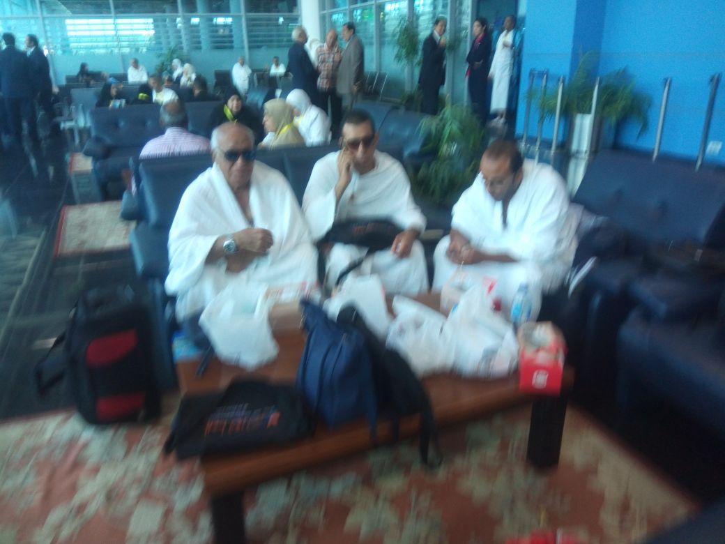 بعثة العاملين بمطار القاهرة تغادر للأراضي المقدسة  (8)