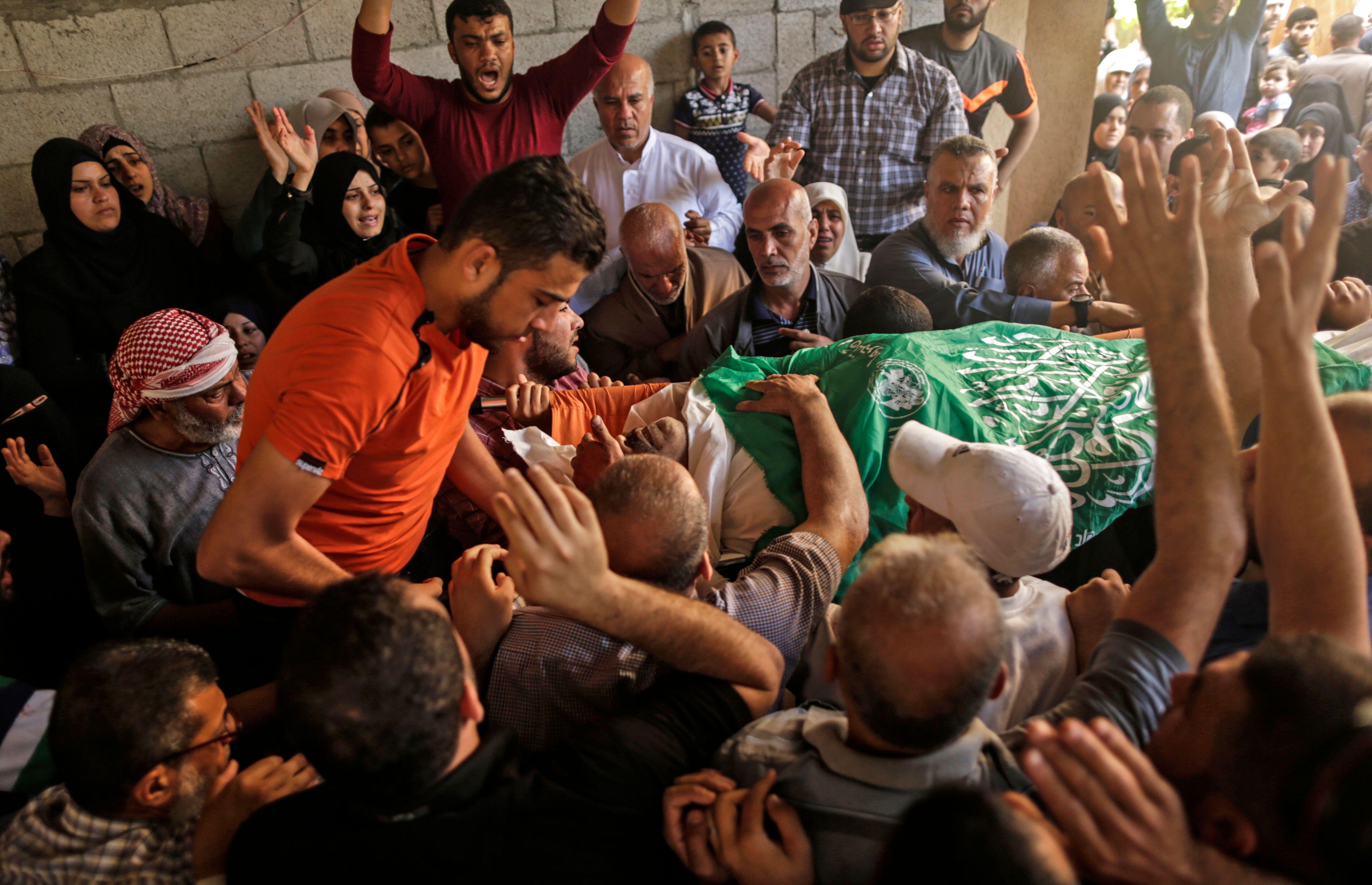 تشييع جثمان الشهيد ناصر غراب  (1)