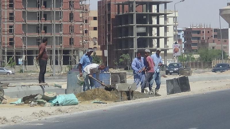 4- العمال بالطريق