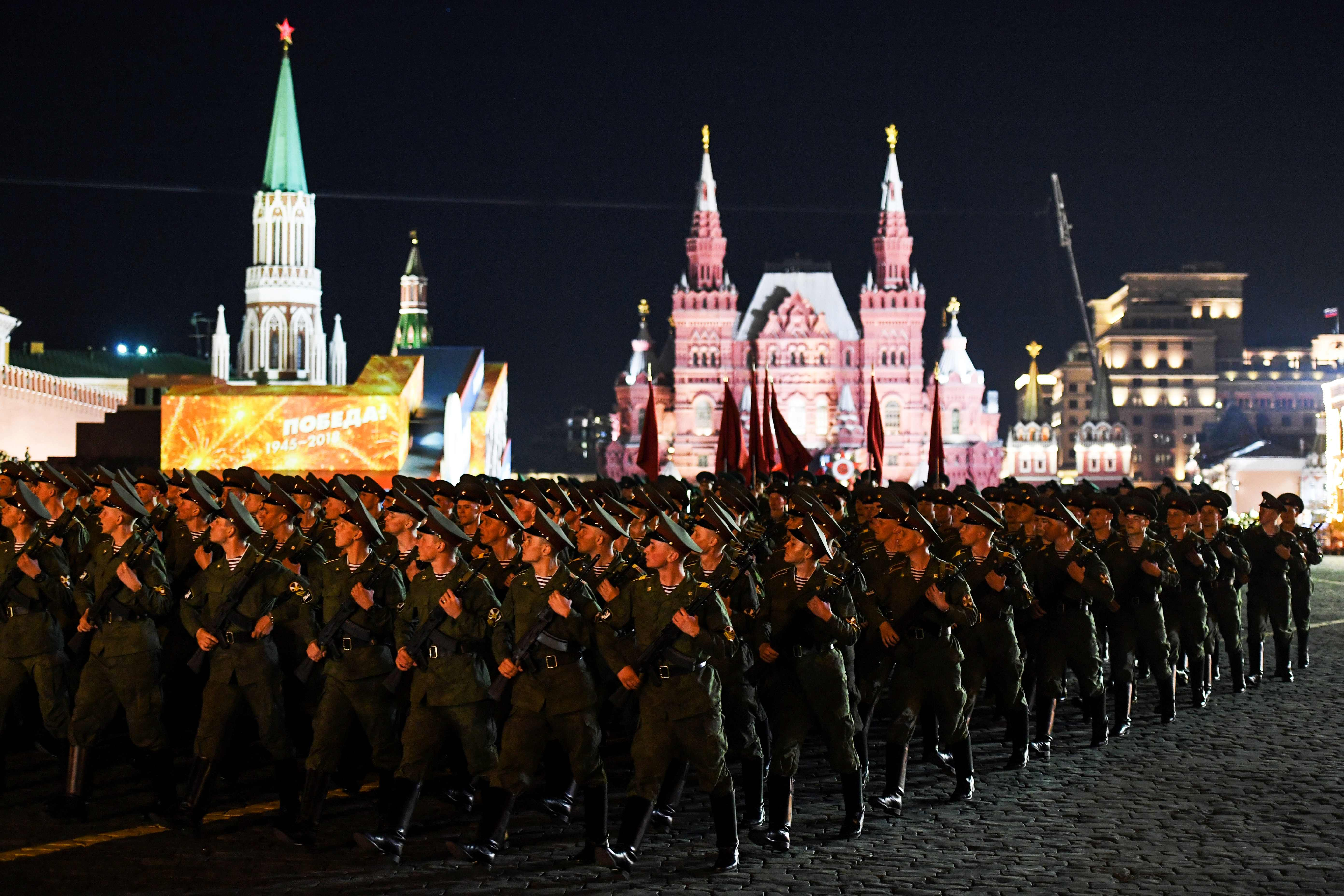 عناصر من الجيش الروسى فى الساحة الحمراء
