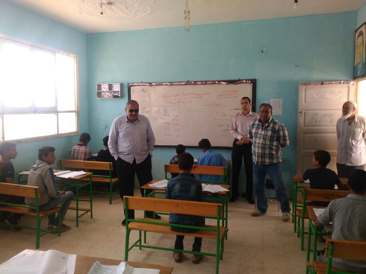 مدير تعليم مطروح يتفقد لجان الامتحانات (1)