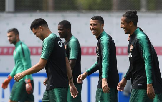 تدريبات منتخب البرتغال (3)
