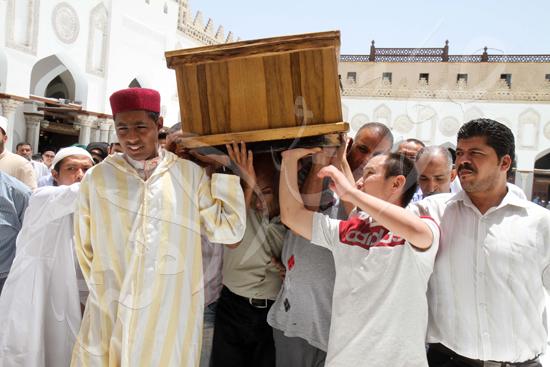 جانب من الجنازة (1)