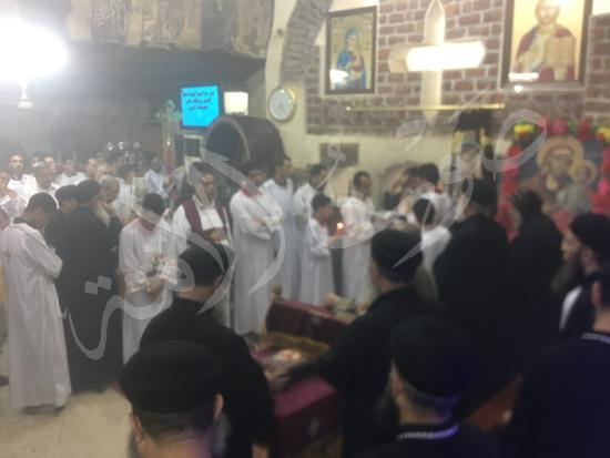 «حالة الحديد».. آلاف الأقباط يحتفلون بذكرى تحرير متياس الرسول (صور) (22)