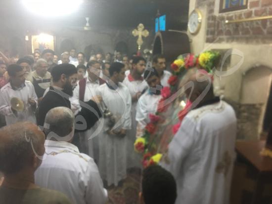 «حالة الحديد».. آلاف الأقباط يحتفلون بذكرى تحرير متياس الرسول (صور) (19)
