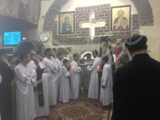 «حالة الحديد».. آلاف الأقباط يحتفلون بذكرى تحرير متياس الرسول (صور) (20)