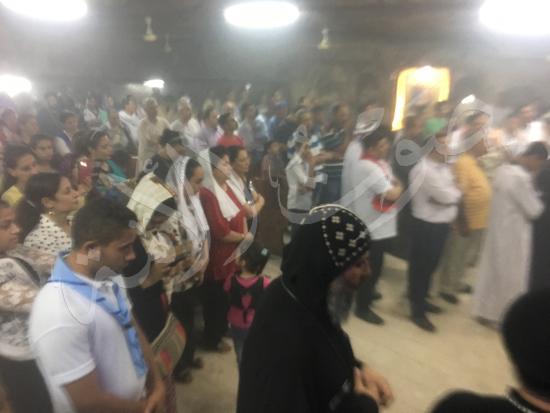 «حالة الحديد».. آلاف الأقباط يحتفلون بذكرى تحرير متياس الرسول (صور) (21)