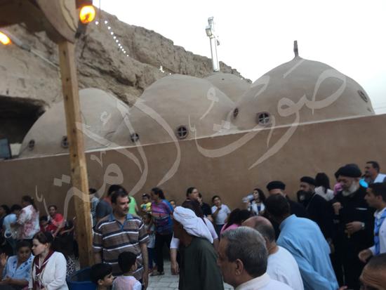 «حالة الحديد».. آلاف الأقباط يحتفلون بذكرى تحرير متياس الرسول (صور) (8)