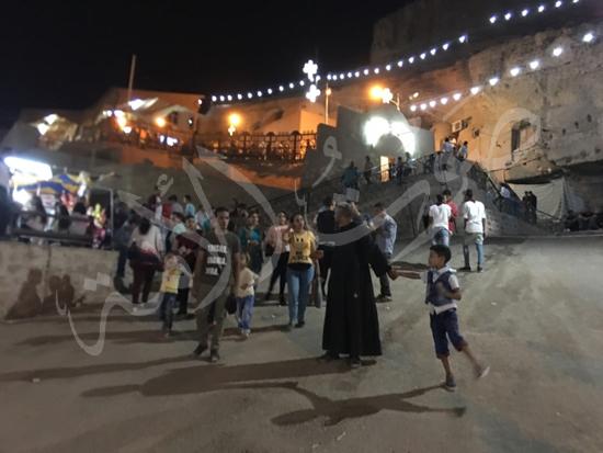 «حالة الحديد».. آلاف الأقباط يحتفلون بذكرى تحرير متياس الرسول (صور) (28)