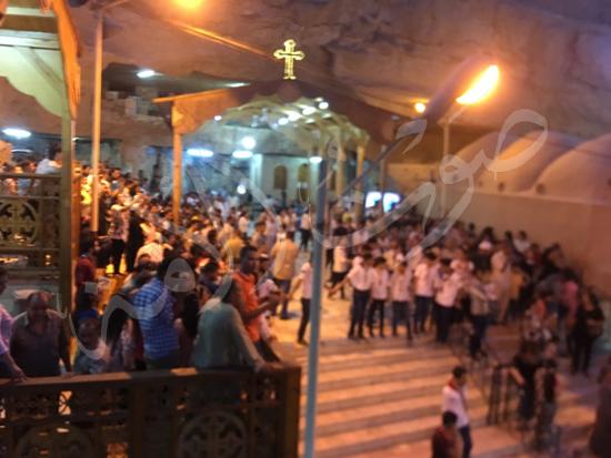«حالة الحديد».. آلاف الأقباط يحتفلون بذكرى تحرير متياس الرسول (صور) (14)