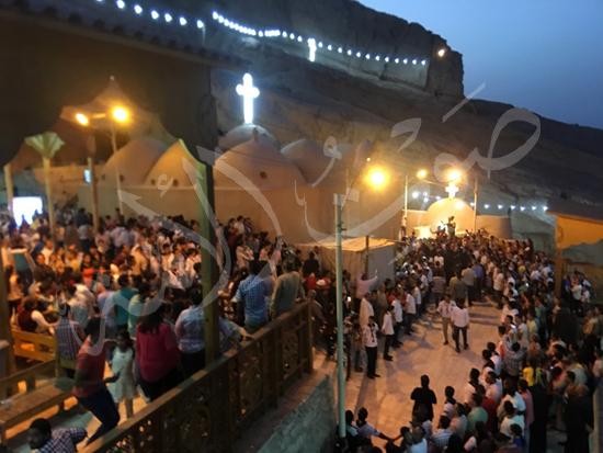 «حالة الحديد».. آلاف الأقباط يحتفلون بذكرى تحرير متياس الرسول (صور) (16)