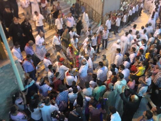 «حالة الحديد».. آلاف الأقباط يحتفلون بذكرى تحرير متياس الرسول (صور) (11)