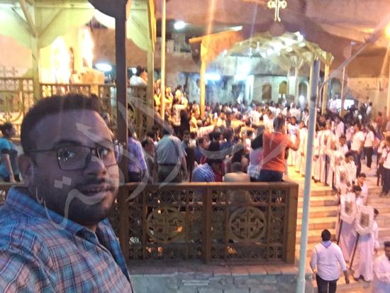 «حالة الحديد».. آلاف الأقباط يحتفلون بذكرى تحرير متياس الرسول (صور) (10)