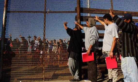 المهاجرون على حدود المكسيك