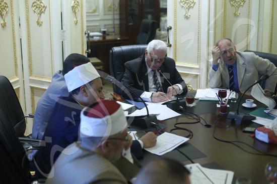 اللجنة الدينية  (6)