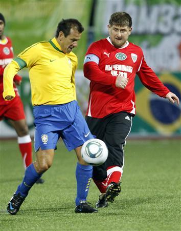 قديروف ودونجا فى مباراة منتخب البرازيل