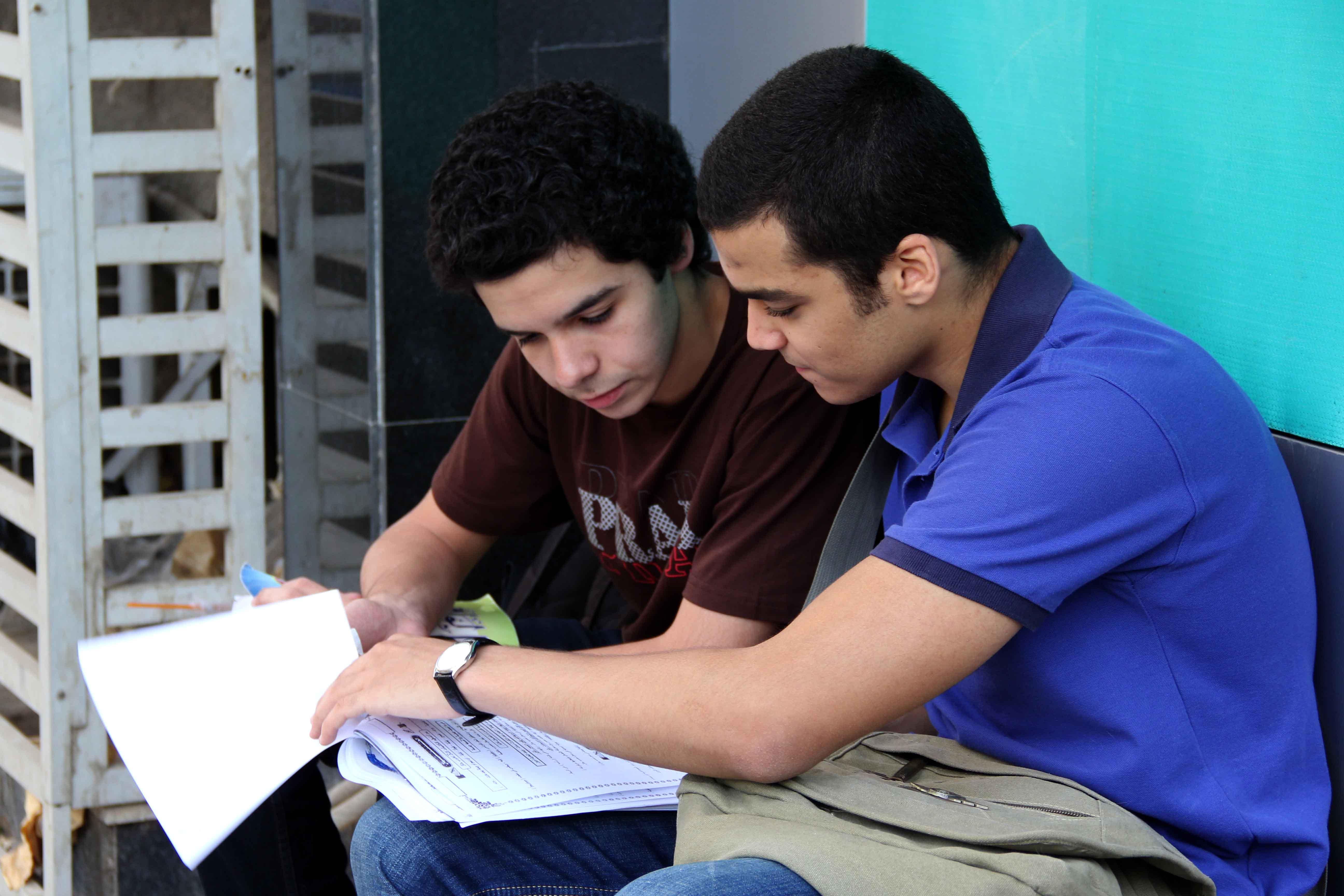 بدء امتحانات الثانويه العامه 8-6-2013 تصوير حسن محمد (5)