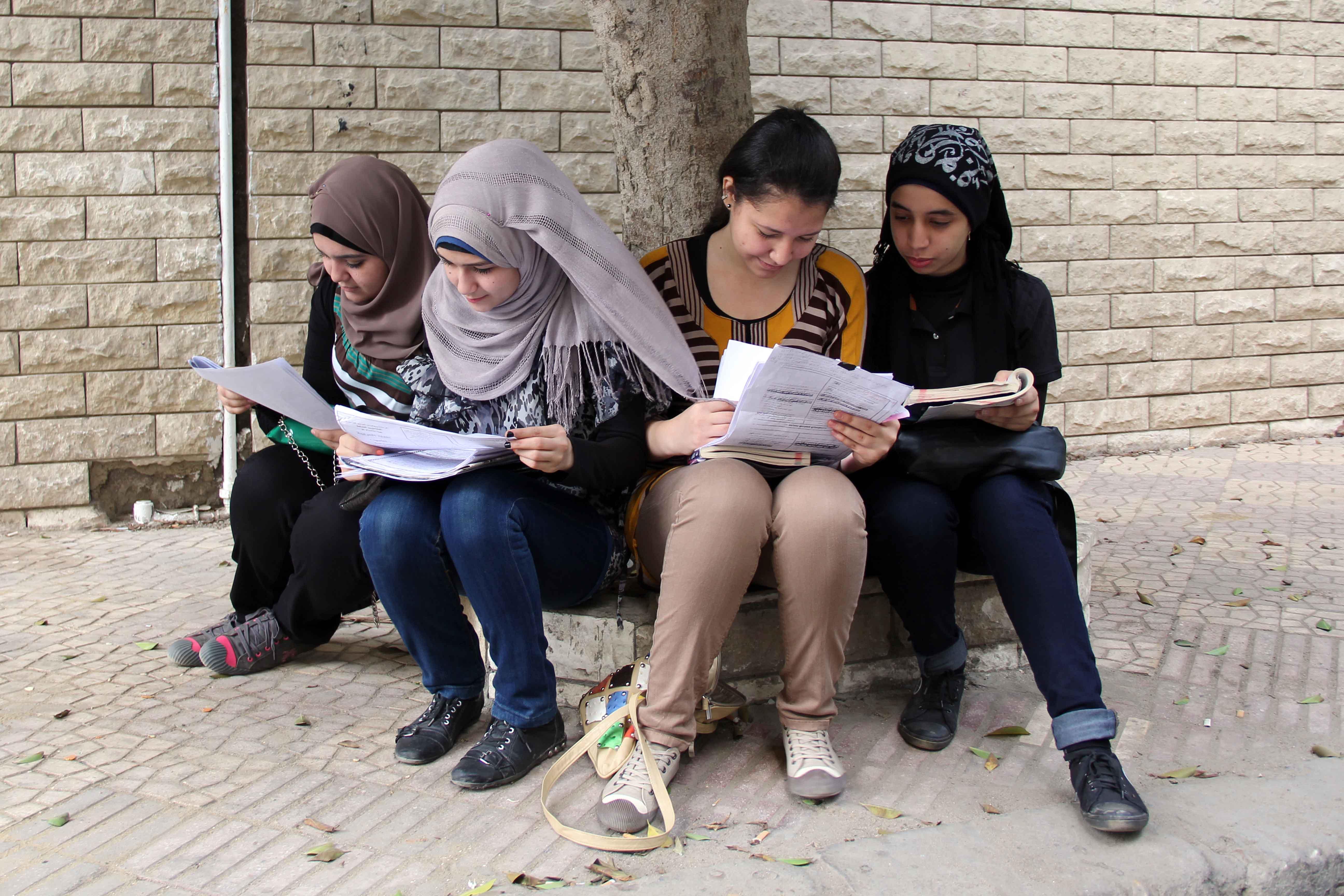 بدء امتحانات الثانويه العامه 8-6-2013 تصوير حسن محمد (9)