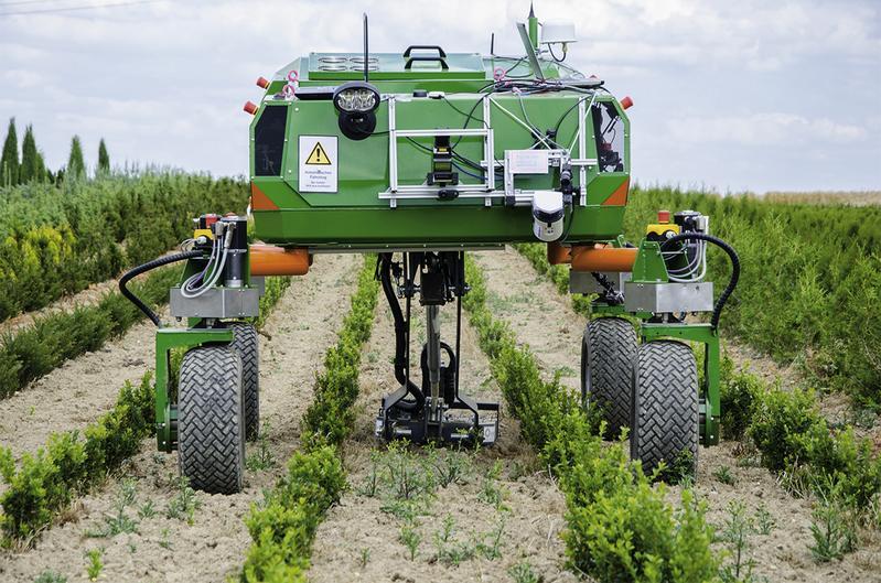 آلات زراعية ذاتية التشغيل باتت تحل محل المزارعين فى انحاء العالم