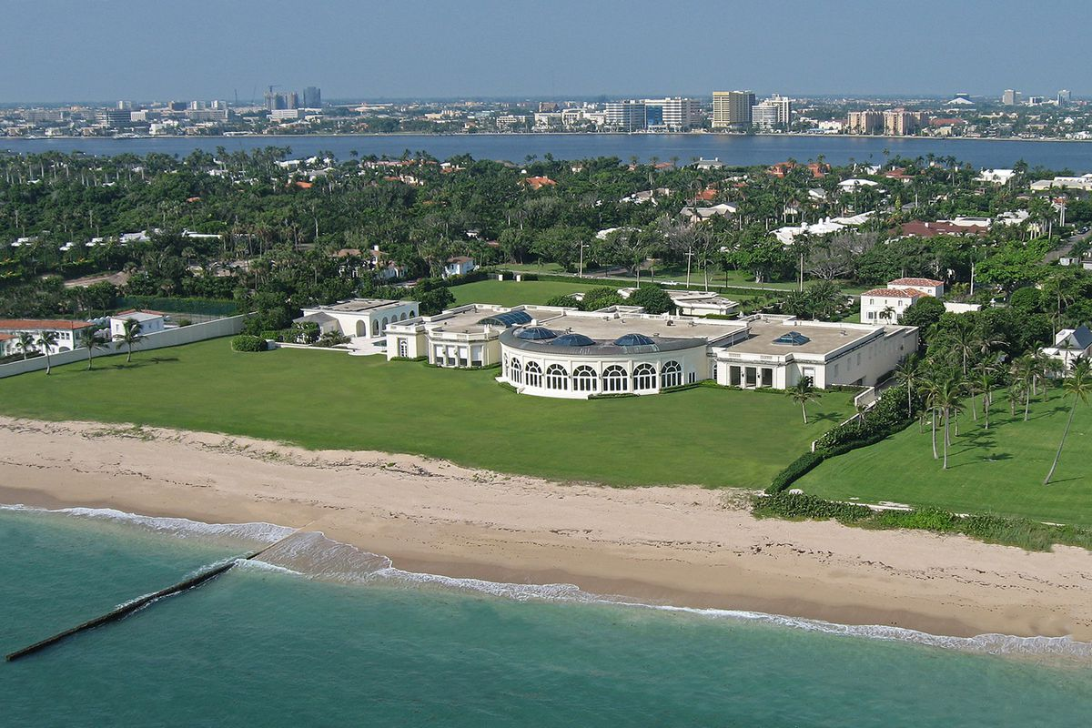 قصر ديمتري ريبولوفليف الذى اشتراه من ترامب