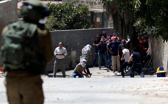 اشتباكات الفلسطنيين والقوات الاسرائيليه 27-7-2018 (4)