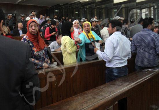 الحكم علي المتهمين في قضية فض رابعة  (13)