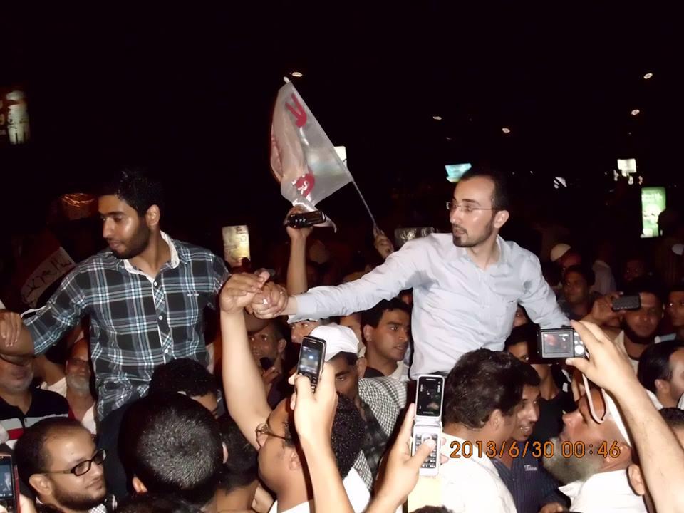 عبد الرحمن عز يقود مظاهرات الإخوان في ثورة 30 يونيو